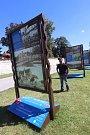 Rod Lanna na nábřeží řeky Malše,výstava velkoformátových fotografií v Českých Budějovicích