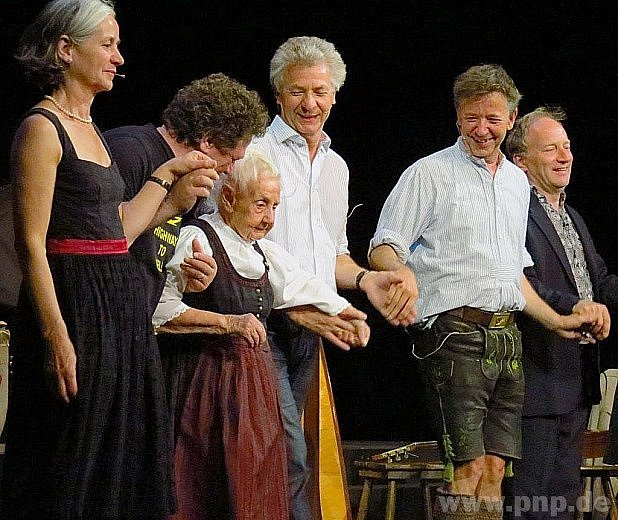 Muzikantská babička sdětmi.