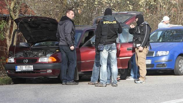 Obchodníky s lidmi v úterý v Budějovicích hledali detektivové z Útvaru pro odhalování organizovaného zločinu. Zátah se uskutečnil v Litvínovické ulici.