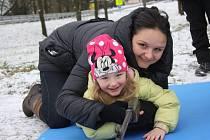 Dětské zimní hry v obci Třebeč.