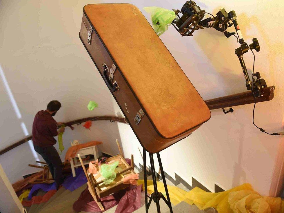 Festival Anifilm, který v Třeboni promítl 405 animovaných snímků z celého světa, ocenil nový film Charlieho Kaufmana s názvem Anomalisa. Na snímku natáčení snímku v prostorách Domu animace.