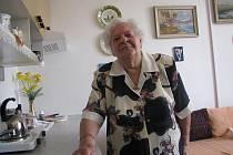 Jednou z obyvatel Centra sociálních služeb Staroměstská je čtyřiaosmdesátiletá Jiřina Kobernová. Žije zde už 20 let a podle svých slov je moc spokojená, nevadila jí ani přestavba.
