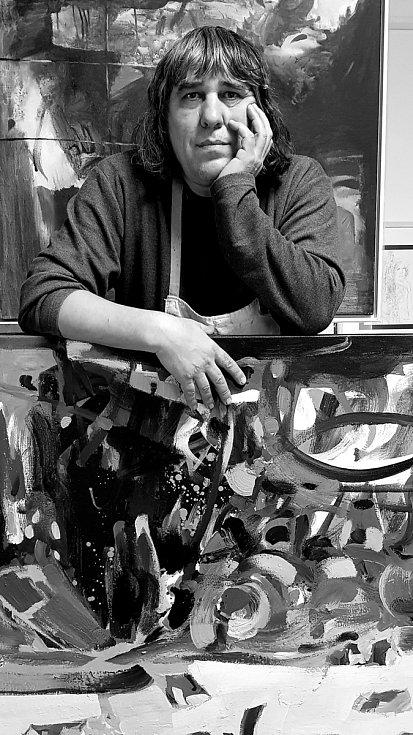 Teodor Buzu ve svém táborském ateliéru.