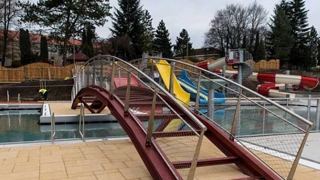 Nová plovárna v Týně nad Vltavou už čeká na první návštěvníky.
