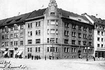 Schwarzenbergská ústřední účtárna (knížecí domy) v roce 1932.