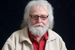 Ve věku 72 let zemřel v úterý malíř Štěpán Mikuláš Mareš. Zádušní mše bude 15. dubna v kostele sv. Prokopa.