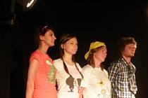 Divadelní soubor ze SUDU.