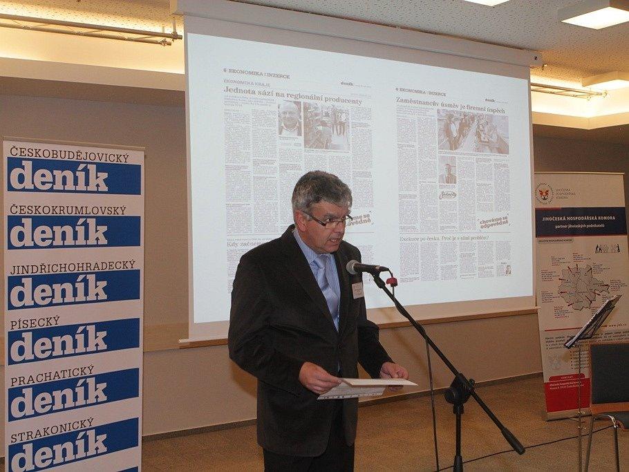 Slavnostní večer k ukončení třetího ročníku projektu Chováme se odpovědně. Na snímku je ředitel Jihočeské hospodářské komory Luděk Keist.