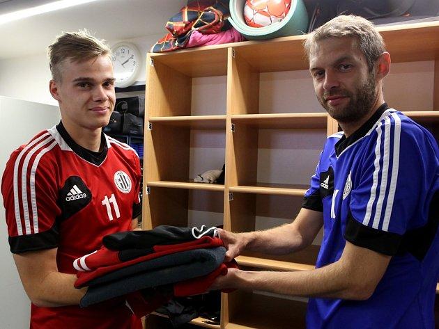 Na prvním tréninku Dynama kustod Radomil Procházka uvítal i Martina Helda, jenž se vrátil z hostování v Písku.