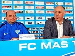 Na předsezonní tiskovce FC MAS Táborsko na dotazy novinářů odpovídali i trenér A-týmu Roman Nádvorník a předseda představenstva Jiří Smrž.