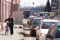 Ztížená doprava na Mánesově ulici.