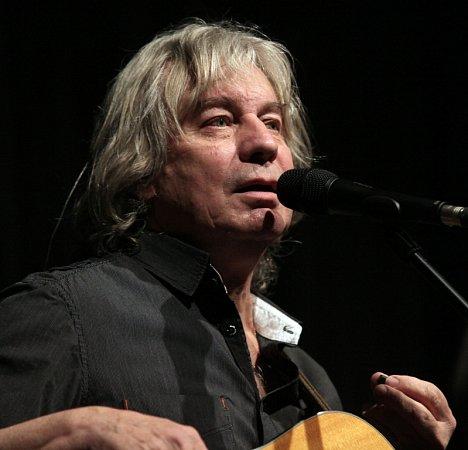 Pavel Žalman Lohonka oslavil 70.narozeniny čtyřhodinovým koncertem 20.března vpražské Lucerně. Bylo vyprodáno, přišlo kolem 1800lidí a folkové legendě gratulovala řada hudebních hostů.