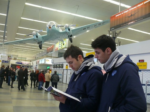 Do Prahy přiletěla turecká Ankara, na snímku Velič a Gjorgjev