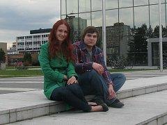 Mezi moderátory, kteří tvoří vysílání studentského rádia K2 patří i Jitka Volná a Tomáš Milbach.