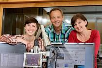 Moderátoři regionálního studia v Českých Budějovicích (odleva): Kateřina Hálová, Martin Hlaváček a Eva Kadlčáková.