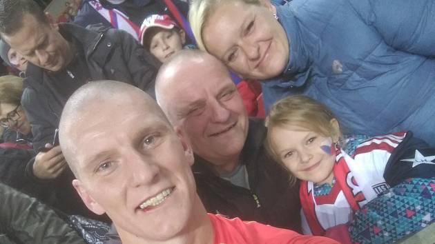 Zdeněk Ondrášek s otcem, sestrou a její dcerou.