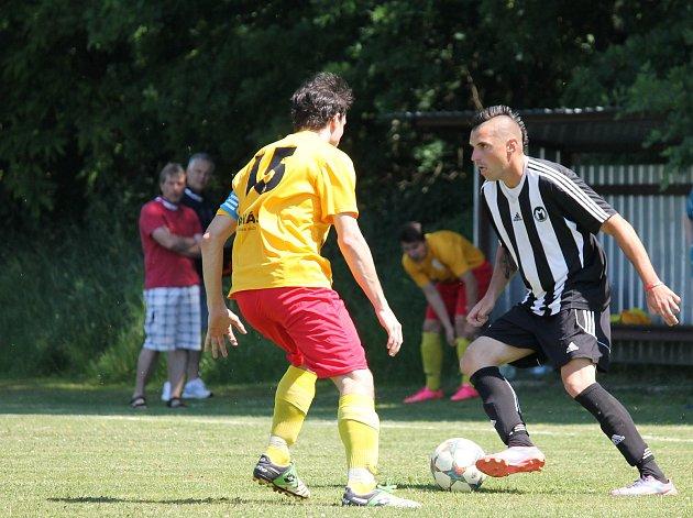 Mariner Bavorovice vsobotním zápase porazil Kamenný Újezd 6:0 (2:0) a přiblížil se postupu do I.Atřídy.