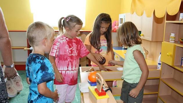 Roudné slavilo výročí 600 let od první písemné zmínky. Při té příležitosti místní otevírali i novou třídu mateřské školy.