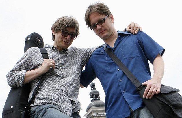 Zakladatel festivalu Rudy Linka s basistou Danem Fabricatore v Budějovicích.