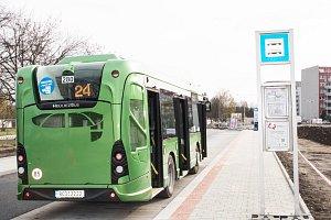 Už druhý den sváží Budějčáky nové autobusy