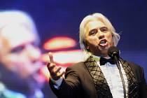 Hlavní hvězdou Mezinárodního hudebního festivalu v Českém Krumlově bude letos ruský pěvec Dmitri Hvorostovsky, jeden z nejžádanějších barytonistů současnosti. MHF nabídne celkem 14 koncertů včetně pocty Václavu Hudečkovi či balkánského večera.