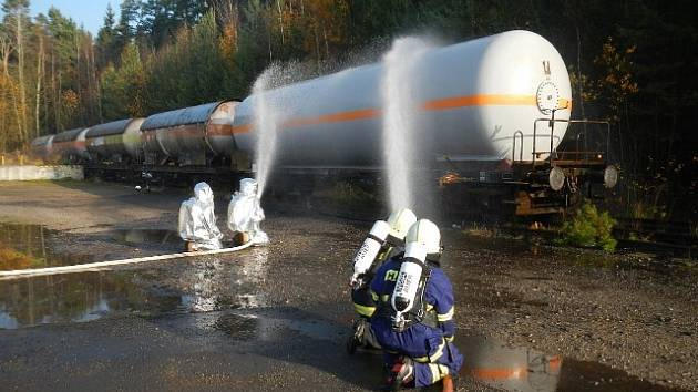 Cvičný únik plynu řešili hasiči v Branicích na Písecku.