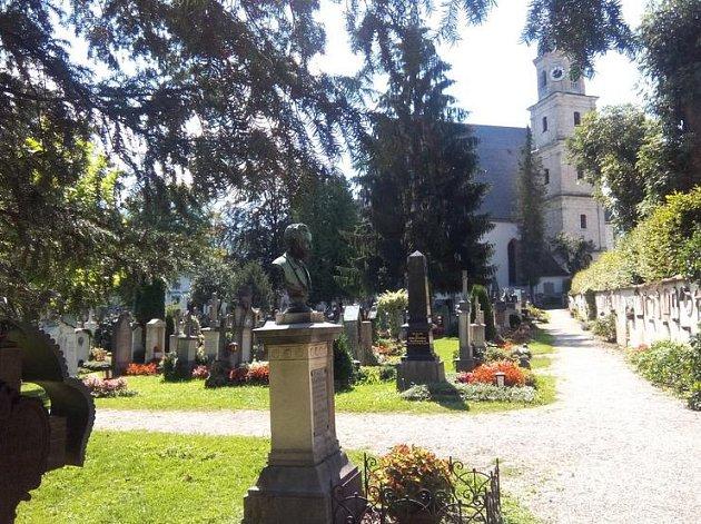 Na starý hřbitov přibudou noví mrtví.