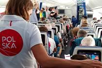 Polskou výpravu bavili během letu Bolek a Lolek