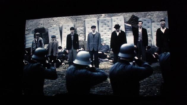 Film Lidice přitáhne nejen milovníky české historie.