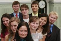 Ocenění studentů z Jihočeského kraje za úspěchy ve školním roce 2010/2011.Ocenění převzali studenti, kteří v loňském školním roce uspěli v soutěžích v cizích jazycích, fyzikální, chemické, biologické, zeměpisné, matematické a dějepisné olympiádě.