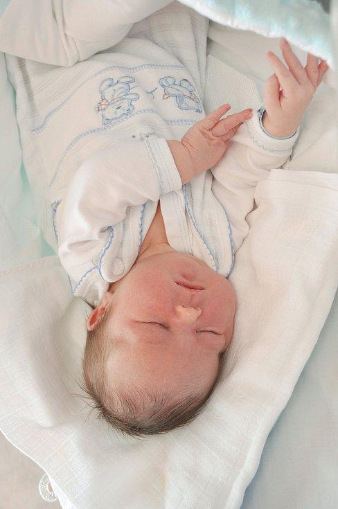 Michael Flachs ze Strakonic. Míša se narodil 26. 3. 2020 ve 2.23 hodin a jeho porodní váha byla 4 300 gramů. Brášku již doma netrpělivě očekávaly Nelinka (5) a Nikolka (2).