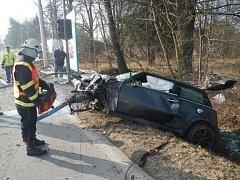 Při tragické nehodě, která se v neděli ráno stala v Českých Budějovicích, zemřel 22letý muž.