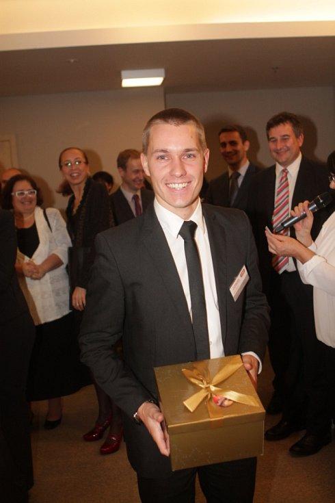 Slavnostní večer k ukončení třetího ročníku projektu Chováme se odpovědně. Na snímku marketingový manažer Jednoty Kaplice Jan Hoffmann.