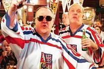 Problematický byl spot, v němž dva Angličané - Bob a Dave - propagují pivo v dresech české hokejové reprezentace.