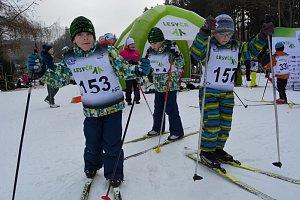 Děti se učily na lyžích, projekt Lyžuj Lesy ve Vimperku