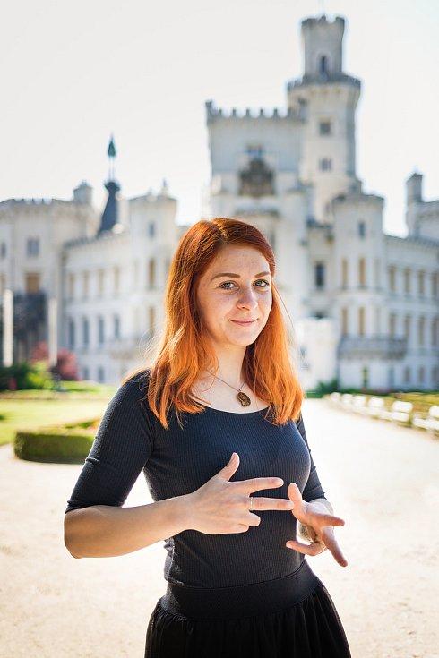 Zámek Hluboká nad Vltavou  nabízí také prohlídky ve znakovém jazyce.
