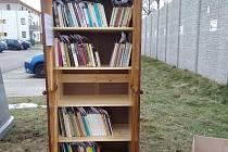 Knihobudky ve Včelné jsou nově uspořádané a knihy seřazené.