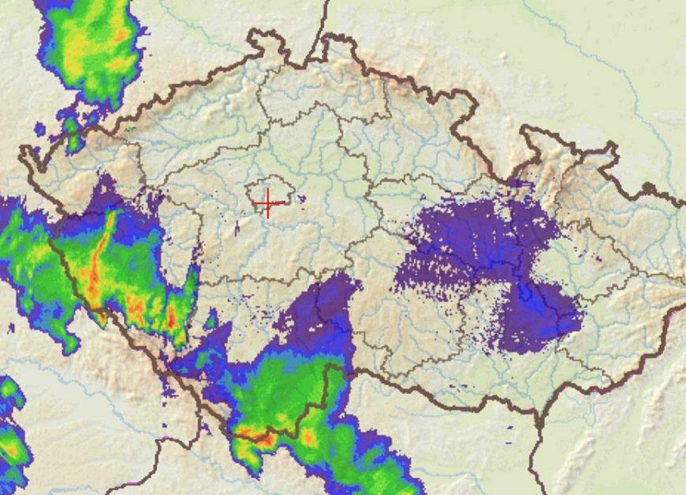 Radarové bouřky v 15 hodin 8. července.