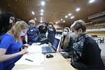 Jako první dorazily do sčítacího střediska zástupkyně volební komise ze Strýčic.