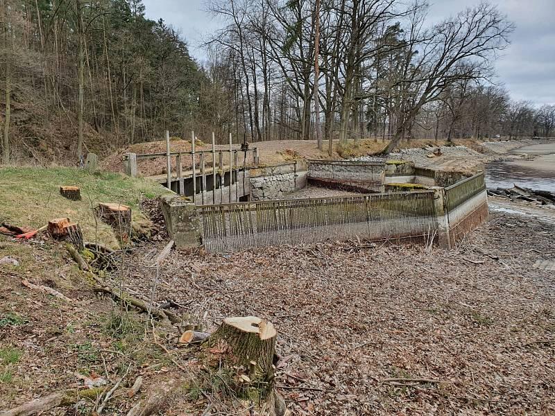Dobevský rybník na Písecku se dočká odbahnění i bezpečnostního přelivu