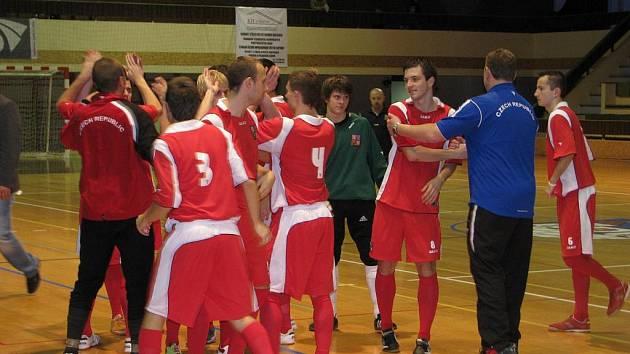 Česká reprezenatce vyhrála v Třeboni ME do 21 let ve futsalu - sálovce