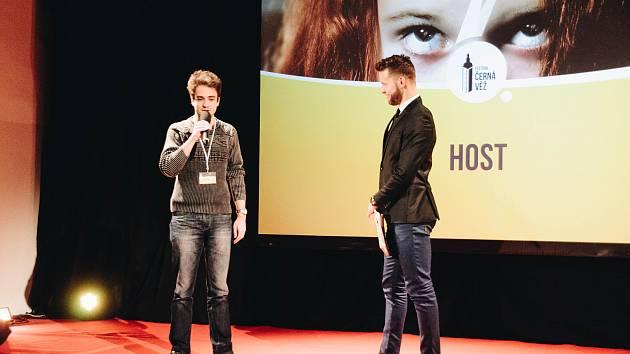 Snímky z českobudějovického filmového festivalu Černá věž můžete vidět v Českém rozhlase.