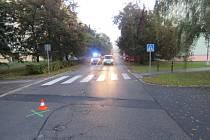 Střet chodce s užitkovým vozidlem skončil těžkým zraněním a následným úmrtím ve zdravotnickém zařízení.