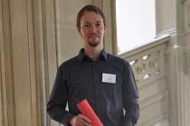 Mikrobiolog Martin Palus získal významné ocenění za svůj výzkum klíšťové encefalitidy.