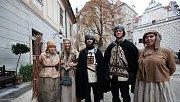 V Českém Krumlově se 2. listopadu natáčel německý historický film o reformátorovi Martinu Lutherovi. Dvoudílný film odvysílá příští rok německá stanice ZDF. Na snímku komparzisté.