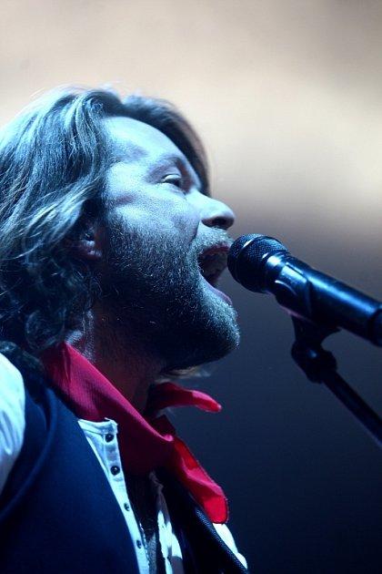 Skupina Kryštof včele sRichardem Krajčem zahájila své klubové turné na jihu Čech. Má vyprodáno, ve Strakonicích zmizely lístky měsíc a půl před koncertem.