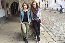 Kreativním lidem s dobrou myšlenkou chtějí dát šanci Zuzana Orlová (vpravo)  a Johana Prokopová v prvním ročníku Budějovického vývaru, který společně organizují.