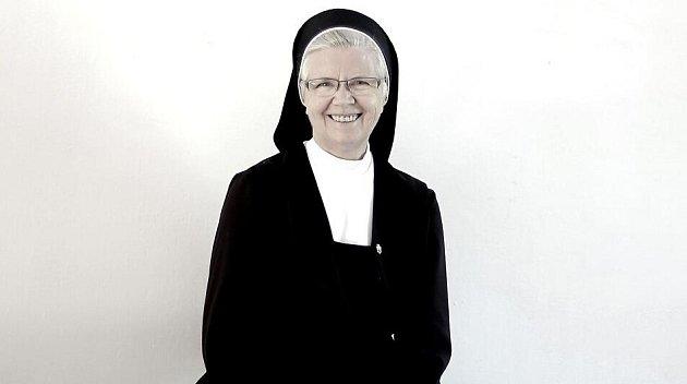 Sestra Rohrmoserová.