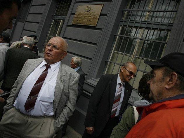 Vlevo pétépák Václav Šulista.