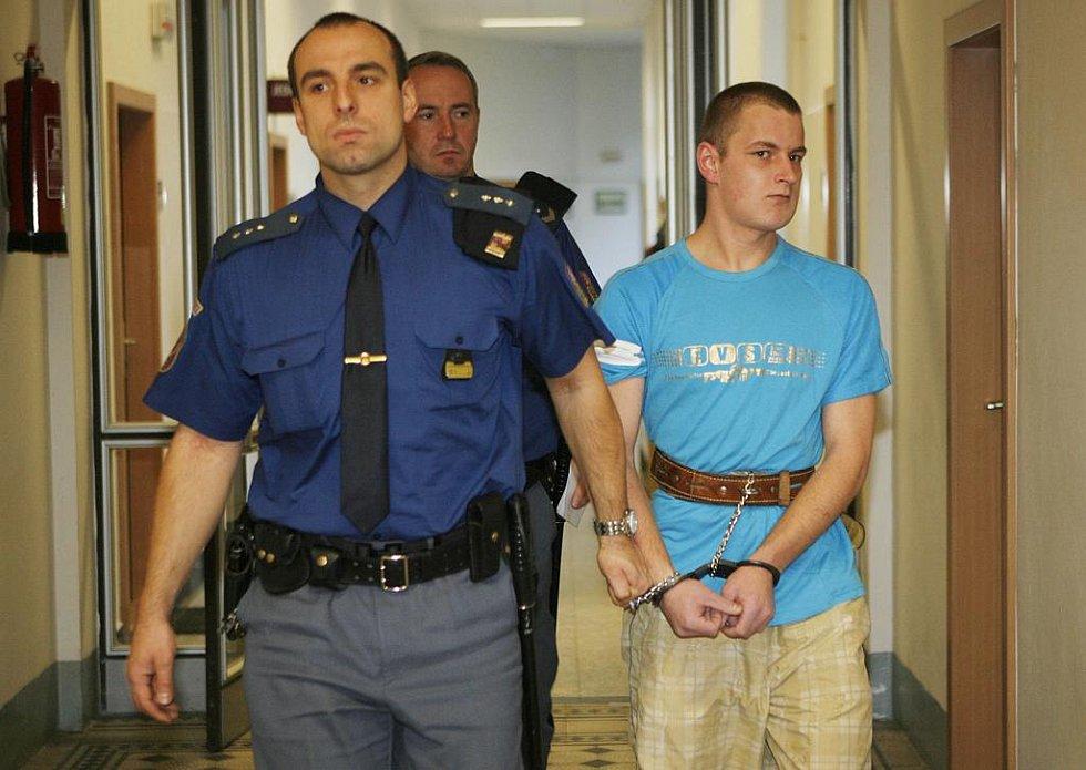 Michal  Nováček se v úterý k soudu omluvil.